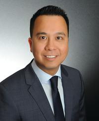 Agente de seguros James Chen