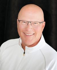 Agente de seguros Rod Skytland