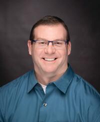 Agente de seguros Clint Thomas