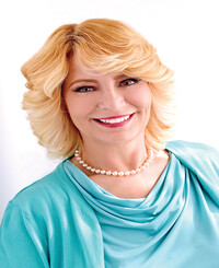 Insurance Agent Denise Wegner