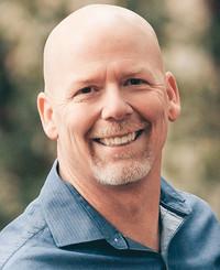 Agente de seguros Russ Wimmer