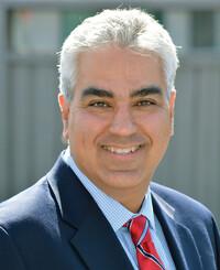 Insurance Agent Hamid Ray Asemi