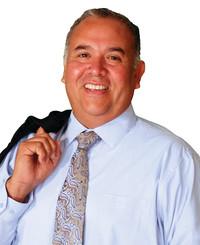 Insurance Agent Saul Hernandez