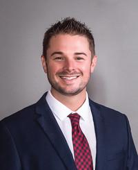 Agente de seguros Kirk Menard