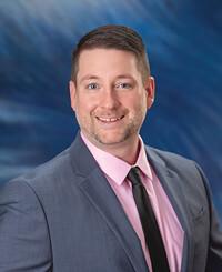 Agente de seguros Raymond Felton