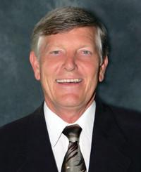 Agente de seguros Ron Weaver