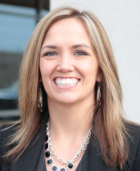 Insurance Agent Mindy Anderle