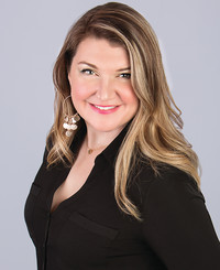 Insurance Agent Malyka Korgan