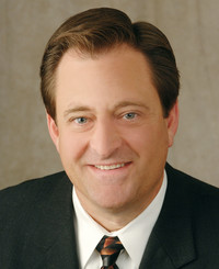 Agente de seguros Kirk Farrel