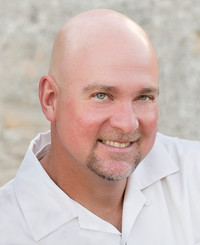 Agente de seguros Todd Main