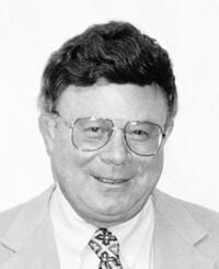 Agente de seguros John Pini