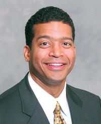 Agente de seguros Derrick Morrow