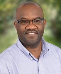 Agente de seguros Peter Mugo
