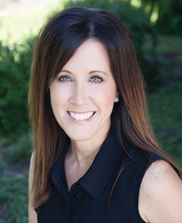 Insurance Agent Julie Moe