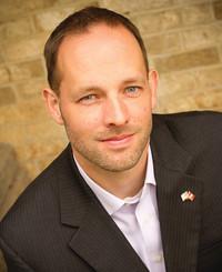Agente de seguros Daniel Burton Jr.