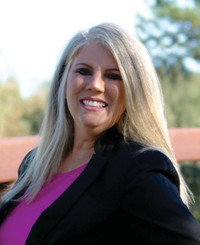 Agente de seguros Sharon Clark