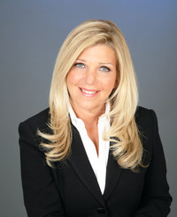 Insurance Agent Cindy Bourland-Ernst