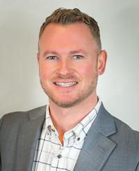 Agente de seguros Adam Hutcheon