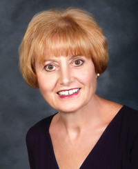 Insurance Agent Savina Pavluk