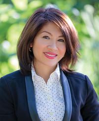 Insurance Agent Huyen Nguyen