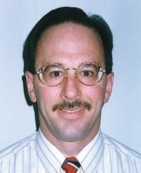 Agente de seguros Ken Mazzola