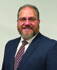 Agente de seguros Tom Deedler