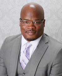 Agente de seguros Chad Powell