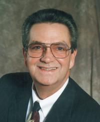 Agente de seguros Gene Plumlee