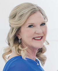 Insurance Agent Mary Ellen Jablonski