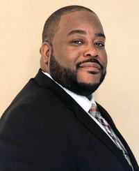 Agente de seguros James Miller III