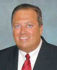 Agente de seguros James Gates