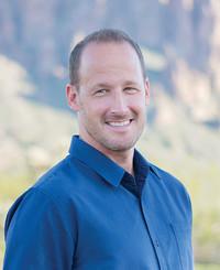 Agente de seguros Chris Burt