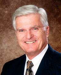 Agente de seguros Larry Patrick