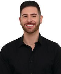 Agente de seguros Justin Konikow
