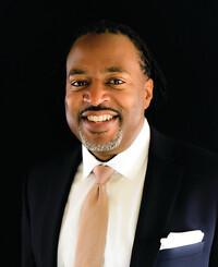 Agente de seguros Rodney Stevenson
