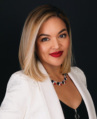 Insurance Agent Lisa Torres
