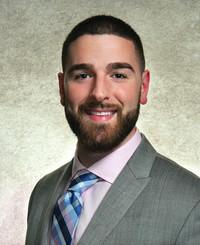 Agente de seguros Garret Byrne