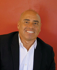 Agente de seguros Alex Escobar