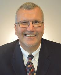 Agente de seguros Tim Cyrus