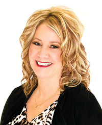 Insurance Agent Brenda Fischer