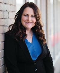 Agente de seguros Nicole Omo