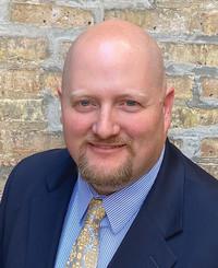 Agente de seguros John Tyler Carlson
