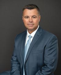 Agente de seguros John Costa