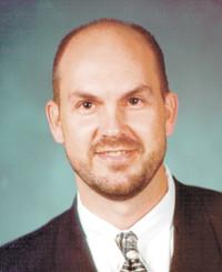Insurance Agent Leonard Smiertelny