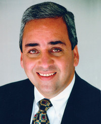 Agente de seguros Adi Khorsandian