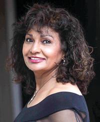 Insurance Agent Sandy Khan