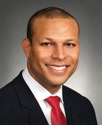 Agente de seguros Bruce E. L. M. Strothers