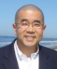 Agente de seguros John Cho