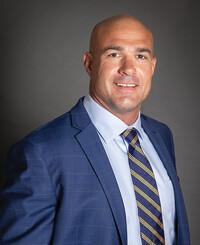 Agente de seguros John Davison