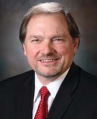 Agente de seguros Frank Bonner